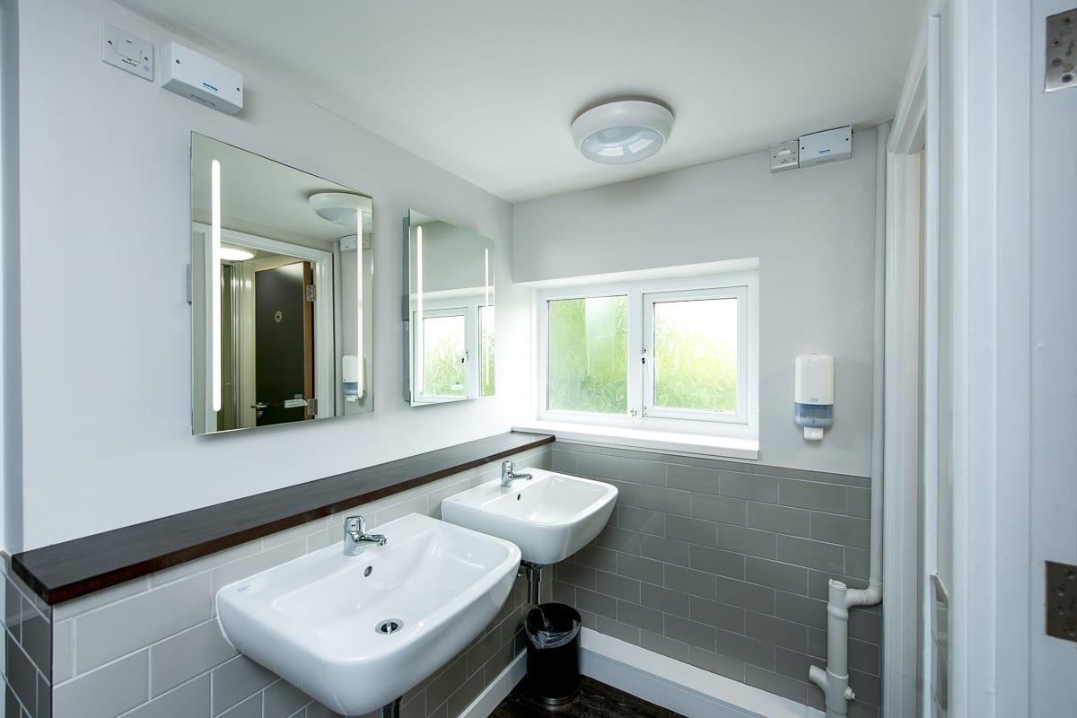 YHA Boswinger Bathroom