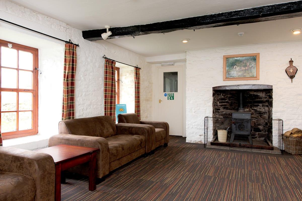 YHA Brecon Beacons Danywenallt Lounge