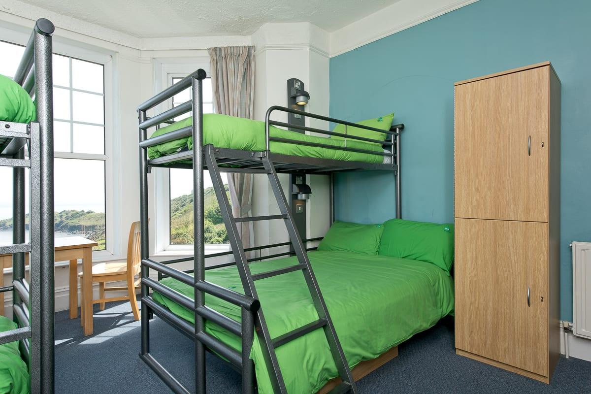 YHA Coverack Bedroom