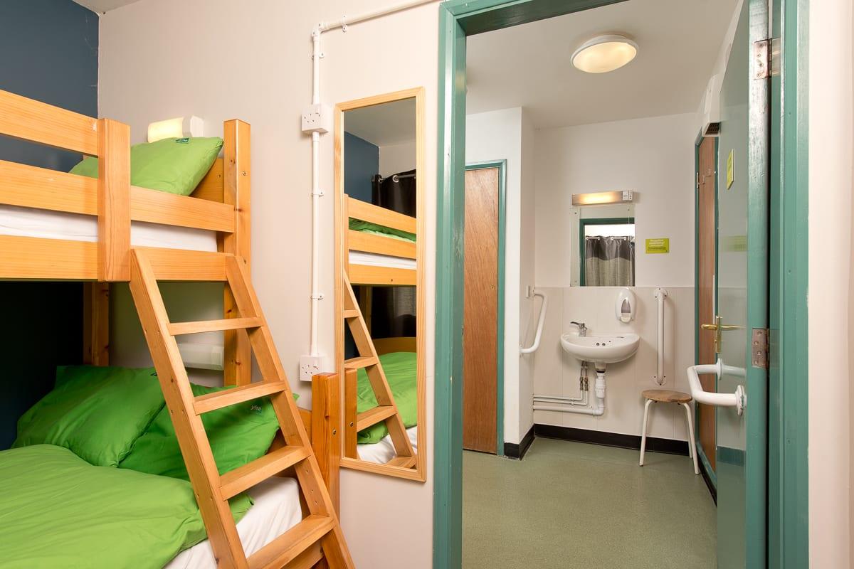 YHA Hathersage Bedroom and Bathroom