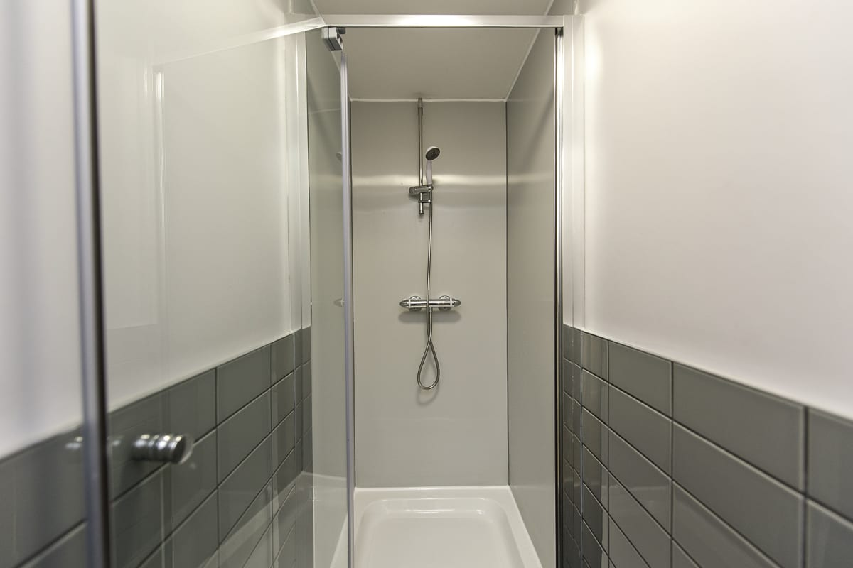 YHA Liverpool Albert Dock Shower
