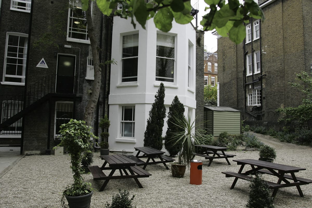 YHA London Earls Court Courtyard