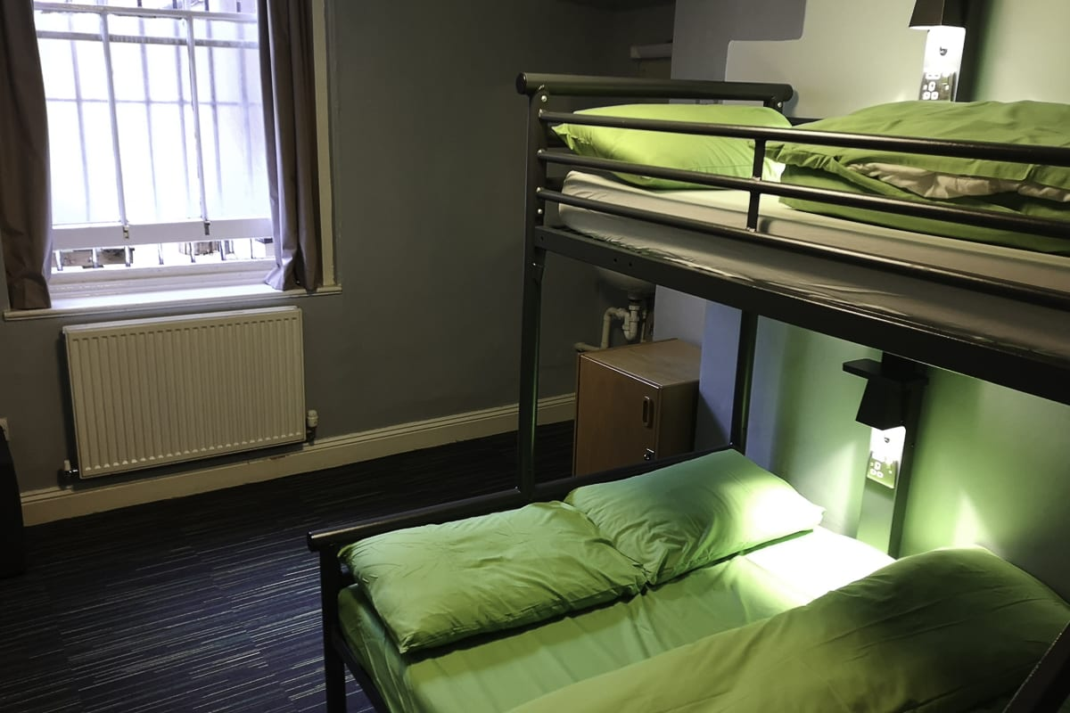 YHA London Earls Court Bedroom