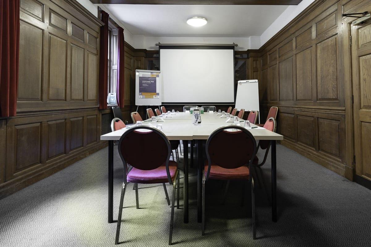YHA London St Pauls Meeting Room