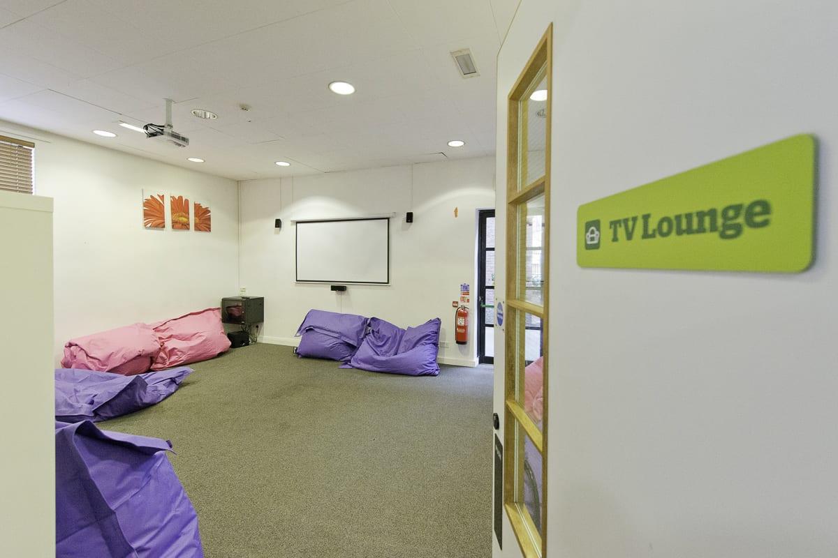 YHA Manchester Lounge