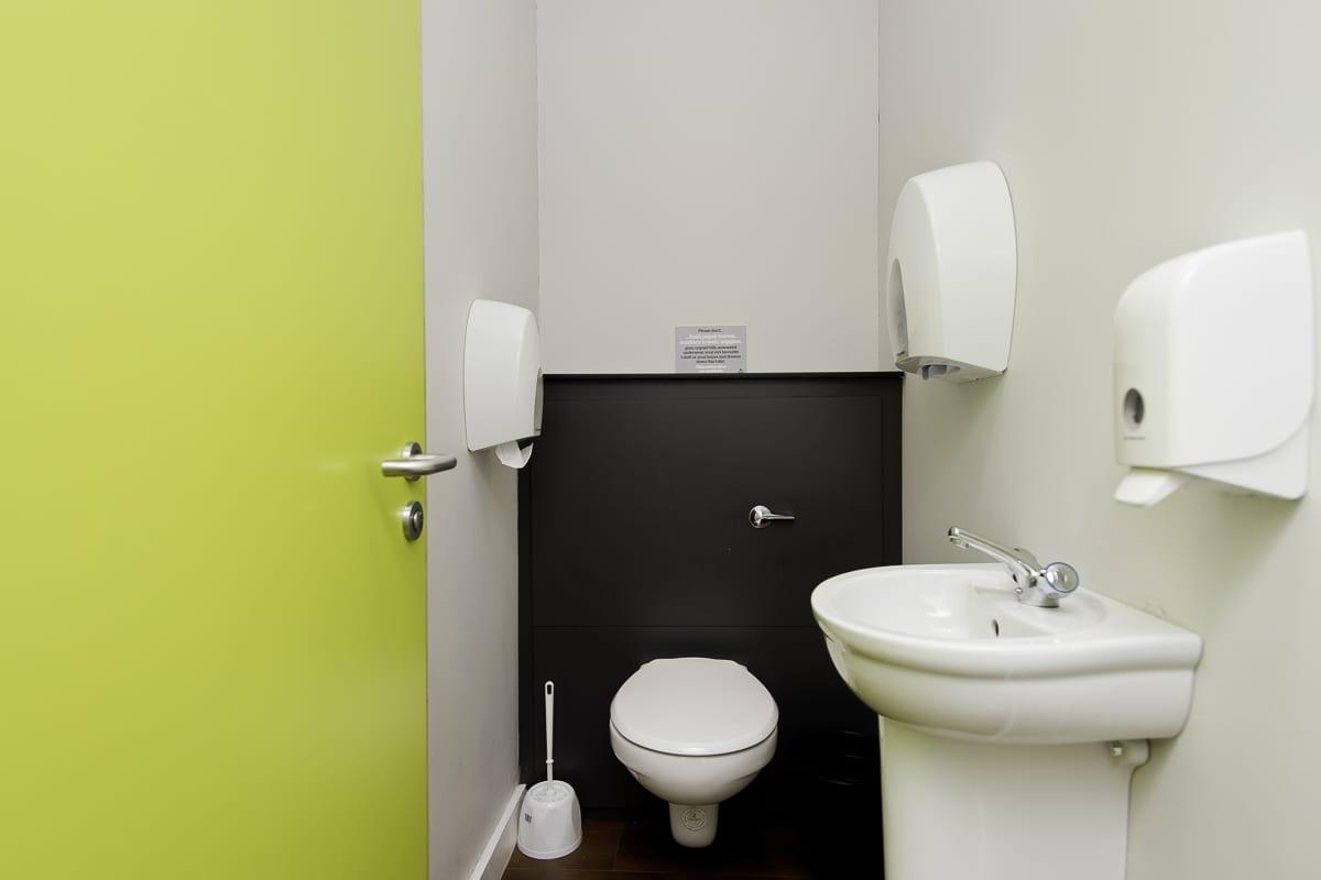 YHA Manorbier Bathroom