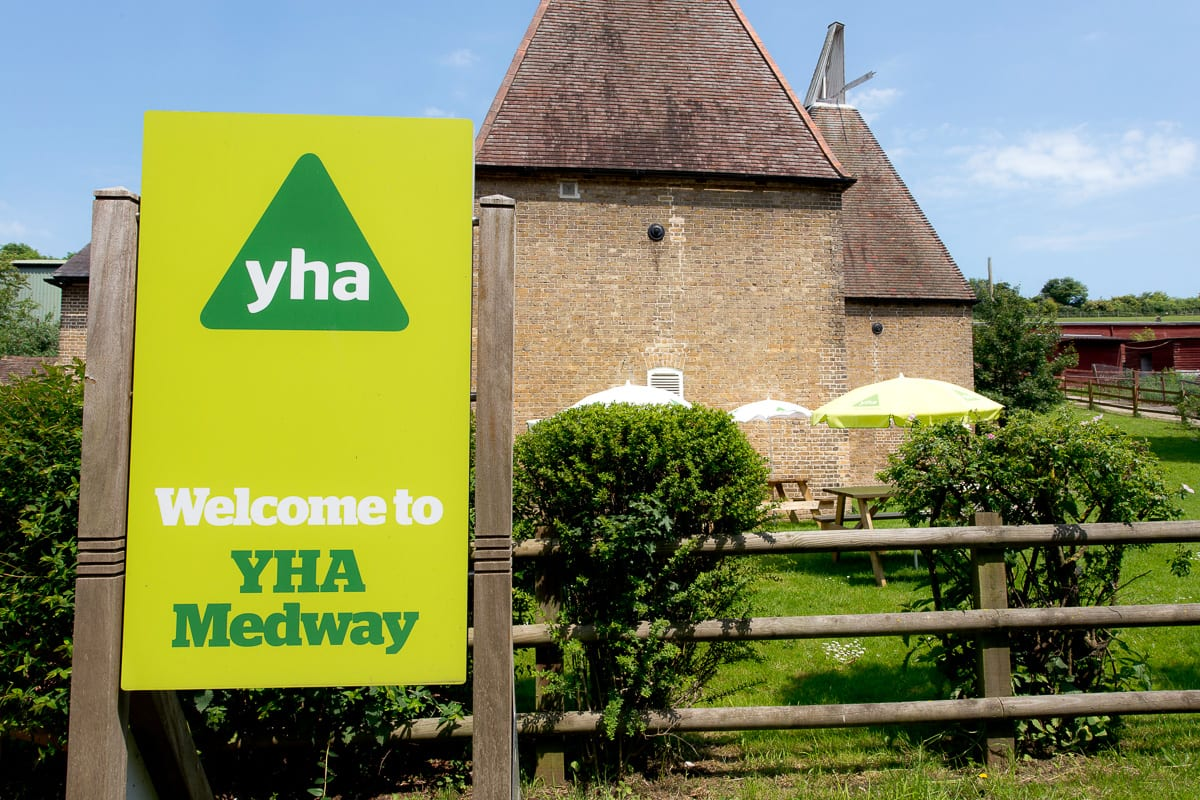 YHA Medway Welcome Sign