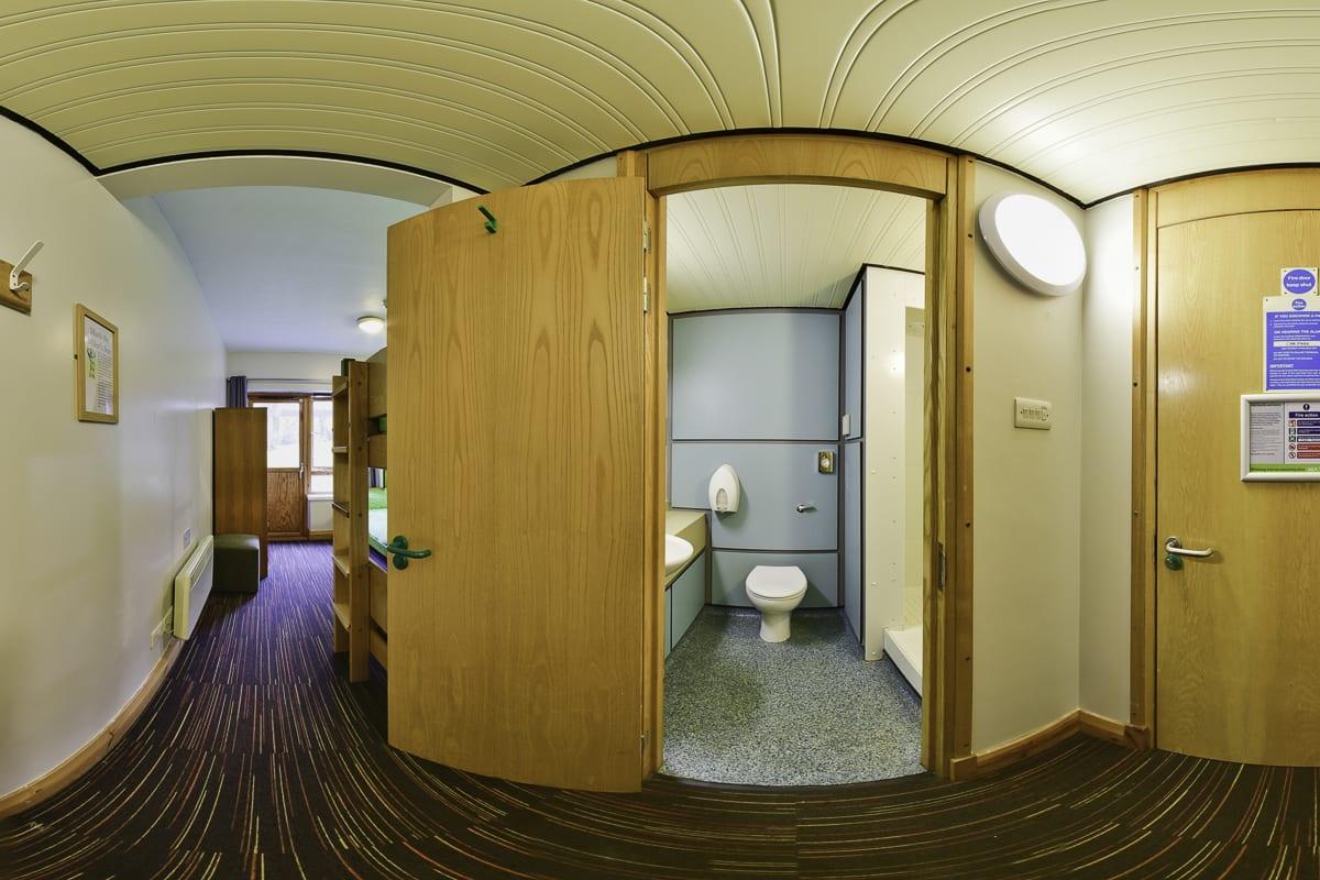 YHA Sherwood Forest Bathroom