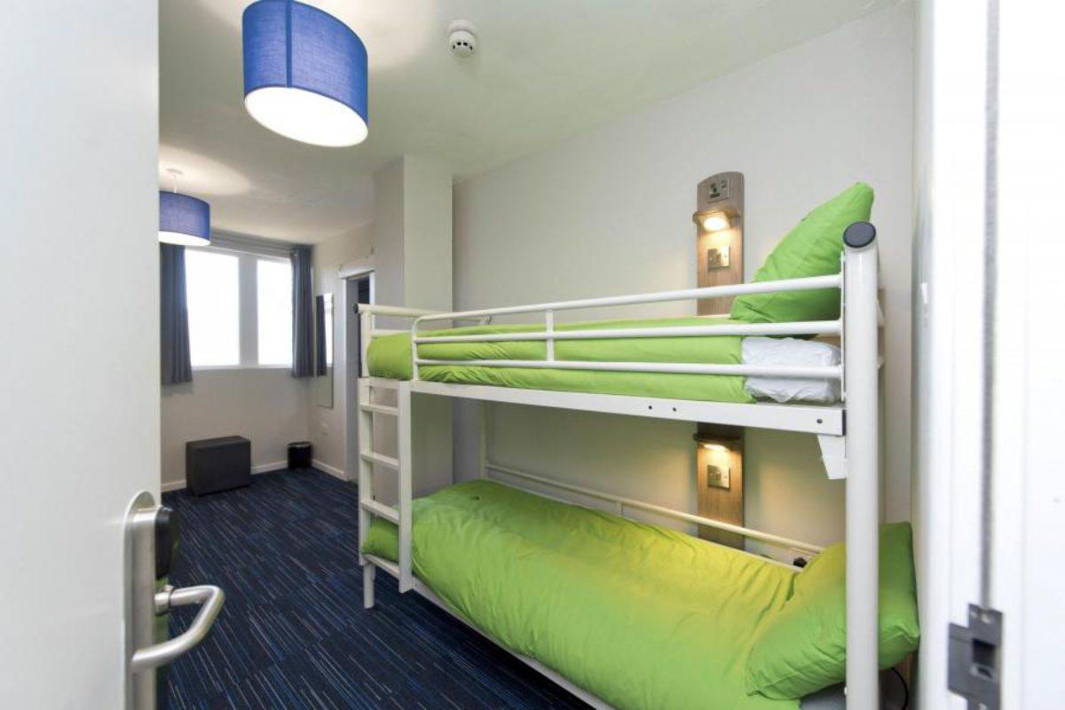 YHA Swanage bedroom with bunkbeds