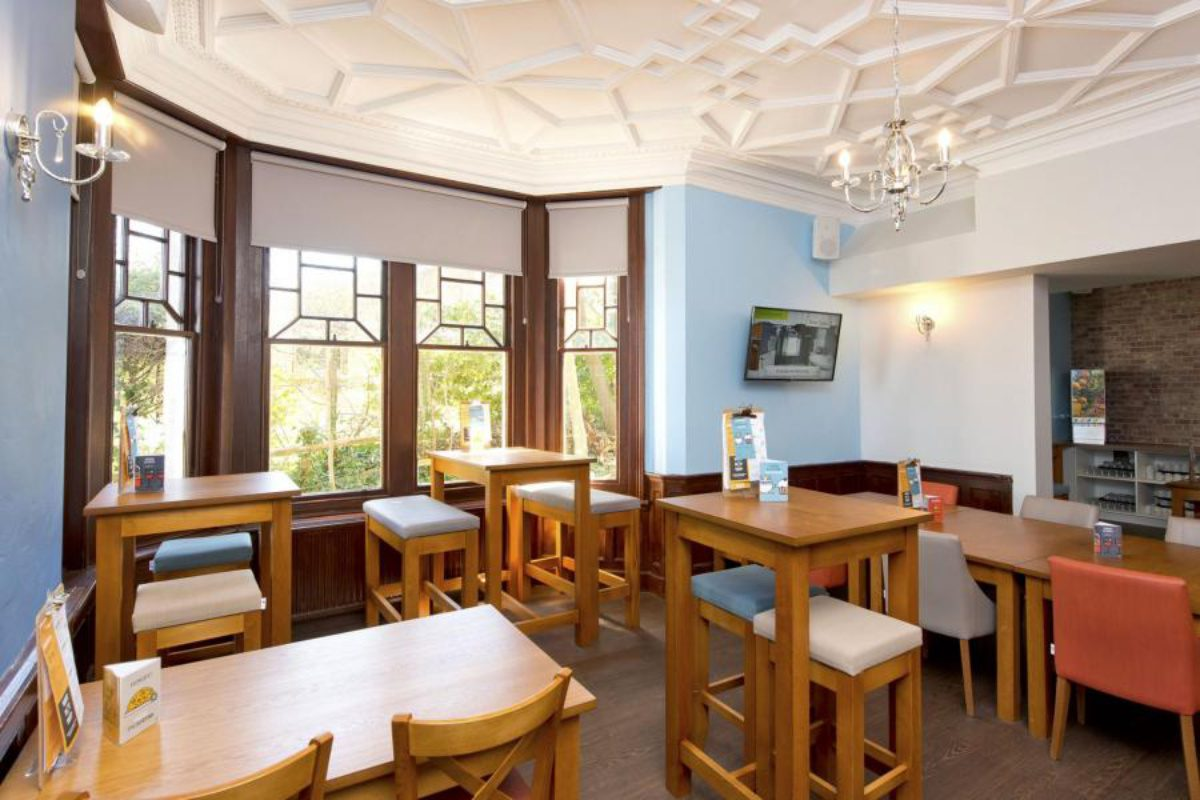 YHA Swanage dining room